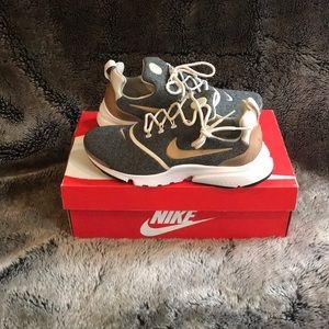 Woman Nike Presto Fly SE sneaker
